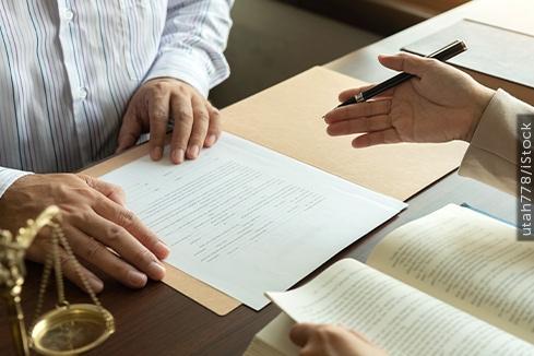 Arbitragem tem prioridade para analisar contrato com cláusula compromissória