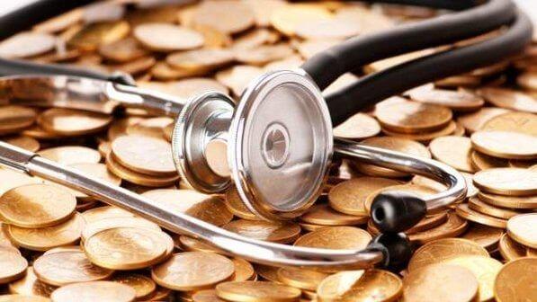 Diante negativa do plano de saúde o consumidor deve pagar pelas despesas médicas realizadas