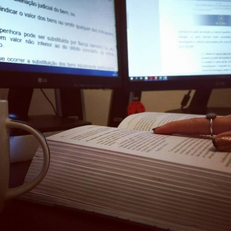 Kit reúne cerca de 80 modelos de petição inicial de oito áreas do Direito