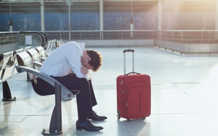 Mero atraso em voo doméstico não gera direito a indenização por dano moral