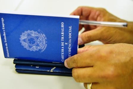 Estagiária tem vínculo de emprego negado com Município de Porto Alegre